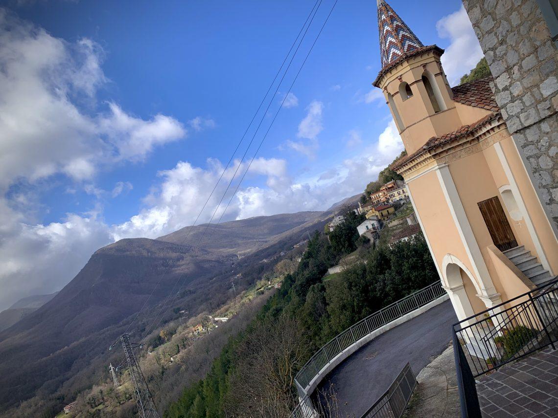 Castelluccio Superiore passeggiando per si suoi vicoli