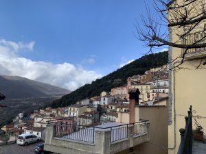 Castelluccio Superiore passeggiando per i suoi vicoli